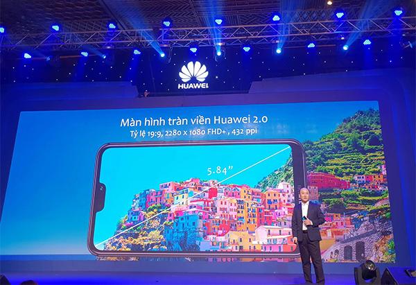 Huawei Nova 3E màn hình 'tai thỏ', camera kép giá 6,99 triệu đồng